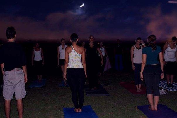 Yoga Libre en la Cinta Costera Panama